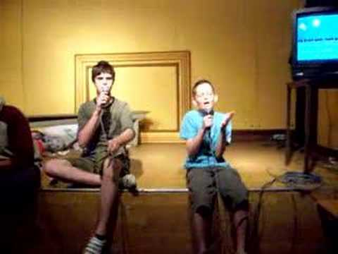 Anthony en Jasper Karaoke