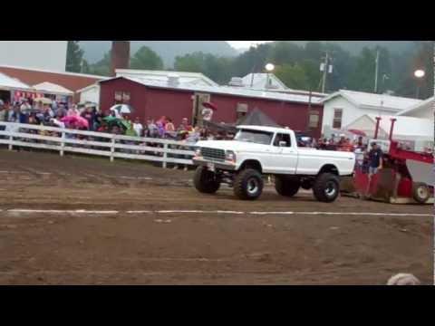 truck pull highland county fair 9-3-11