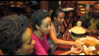 How To Eat Ethiopian Injera