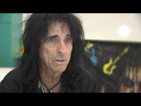 Interview with Alice Cooper on late musician Glen Campbell