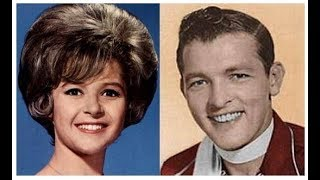 Baixar BRENDA LEE - Rockin' Around The Christmas Tree / BOBBY HELMS - Jingle Bell Rock - stereo