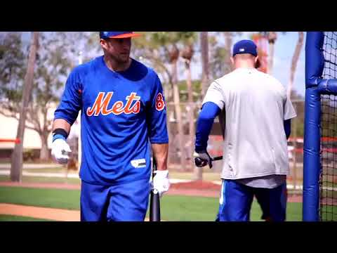WATCH: Tim Tebow takes the field at New York Mets spring training