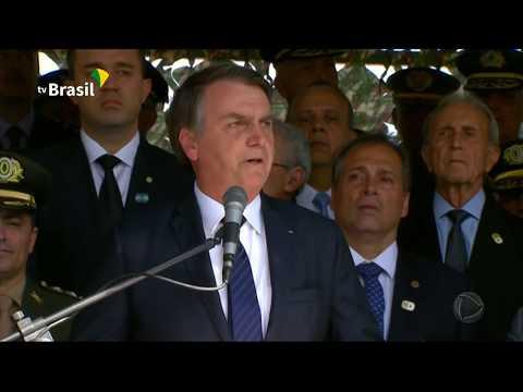 Bolsonaro autoriza ministros