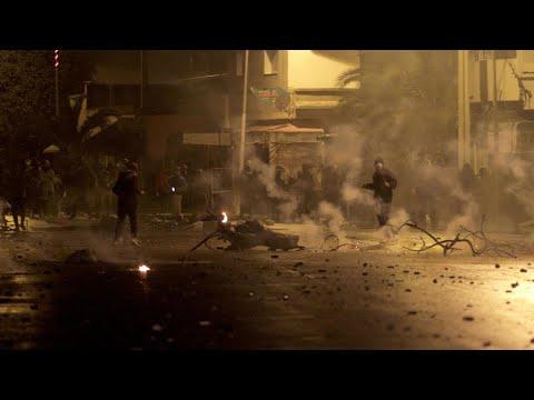 تجدد الاحتجاجات الليلية في العاصمة التونسية ومدن أخرى من البلاد واعتقال العشرات أغلبهم قاصرون  - 11:00-2021 / 1 / 18