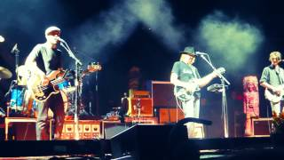 Neil Young - Everybody Knows This Is Nowhere - Lincoln, NE - 7.11.2015