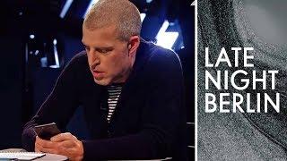 Benjamin von Stuckrad-Barre schreibt SMS: Shame Message Service | Late Night Berlin | ProSieben