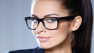 Wearing Glasses during a Speech | Public Speaking