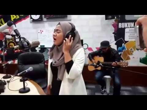 Benarnya Cinta - Fara Sulaiman   Jom Jam Akustik   14 September 2016