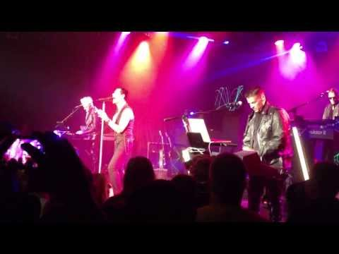 "Depeche Mode tribute band Strangelove performs ""It's No Good"" at The Roxy"