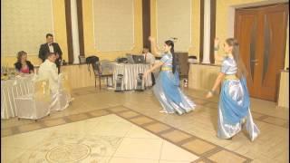 Красивый подарок на свадьбу - индийский  свадебный танец.