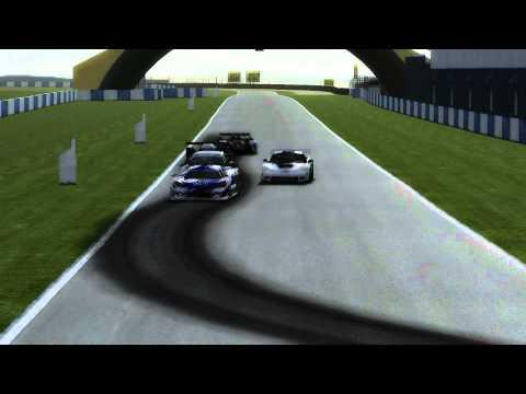 Peugeot 908 HDi FAP vs Audi R15 TDI at Donington (Enduracers, rFactor)