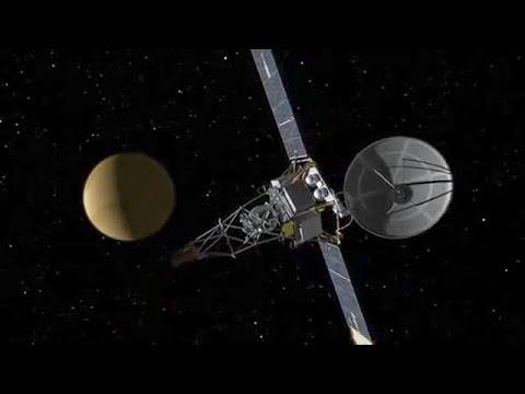 NASA's Mariner 2 Spacecraft Flies by Venus (1962)