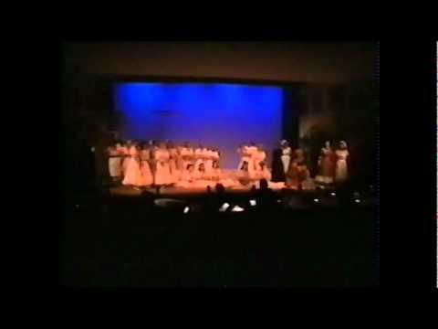 Ruddigore, Opening Chorus