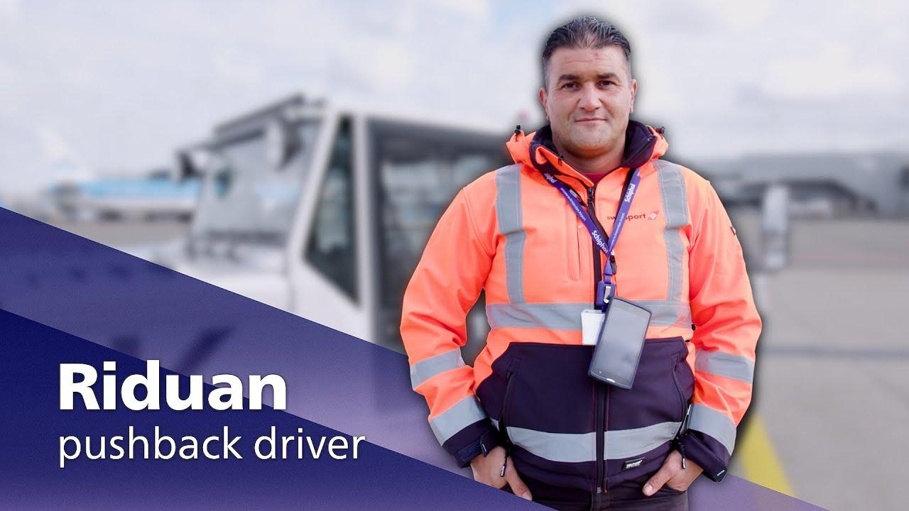 Video | Kijk mee met een pushback-chauffeur op Schiphol