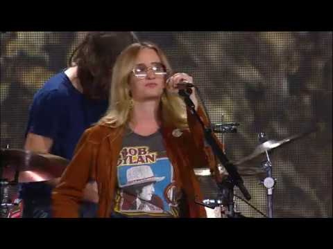 Margo Price – Letting me Down (Live at Farm Aid 2018)