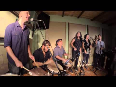 Zona de Bomba live studio session - Candela