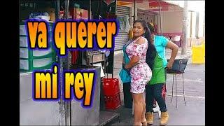 Santa ana El Salvador , Ella vende la torta barato