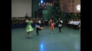 дети танцуют!!!! Еврейский танец 22.12.2012.wmv