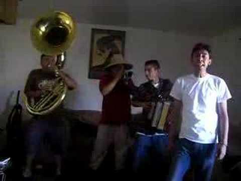 tuba y acordeon - el Z9