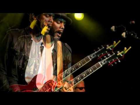 Gary Clark, Jr - Oh, Pretty Woman (live)