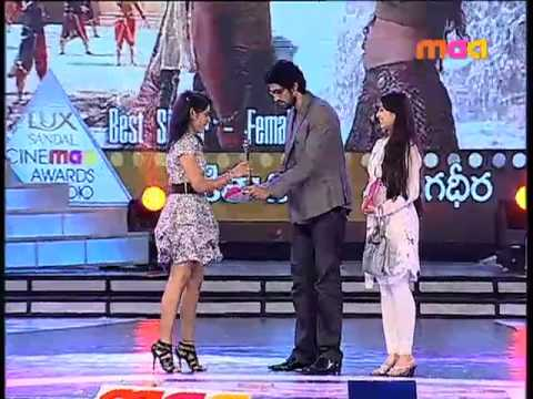 Cinemaa Awards 2010 - Cinemaa Awards 2010: Best Female Singer - Nikita Nigam (Dheera dheera)