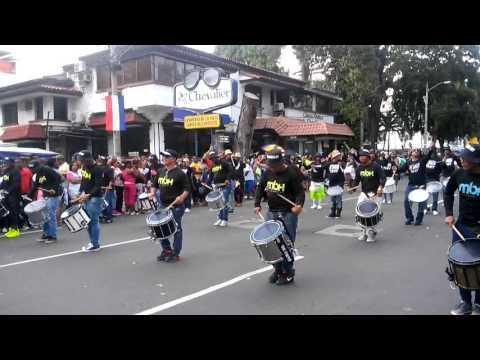 Banda el Hogar desfile de la lotería 2015(1)