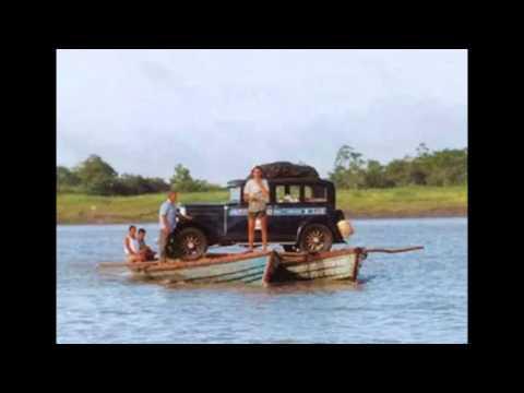 Una familia que lleva 15 años recorriendo el mundo en un auto del siglo pasado.
