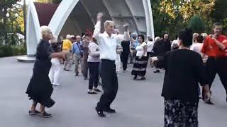 Пчелы!!!Народные танцы,парк Горького,Харьков!!!