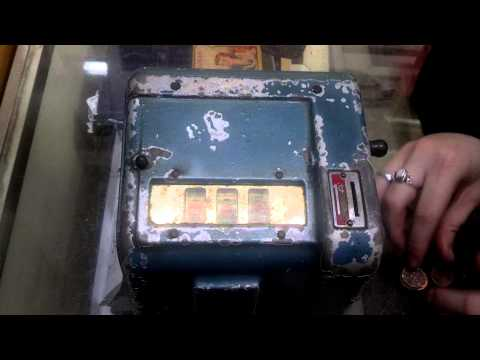 1940s Daval? Penny Cigarette Trade Stimulator Vintage Slot Machine