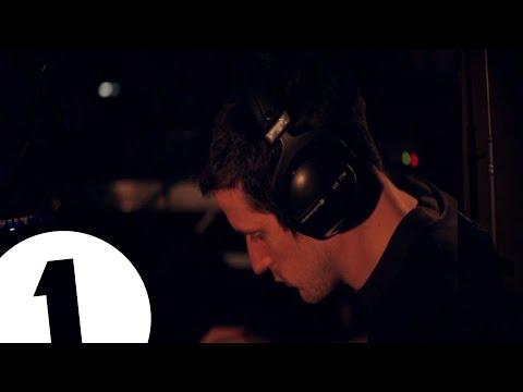 DVA [HI:EMOTIONS] - NOTU_URONLINEU Feat. Danalogue (Live At Maida Vale)