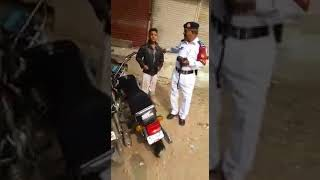 Funny Video In Karachi 2018  | Boys Catch Traffic Police | funny Videos  2018