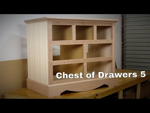 Chest of drawers build 5 - Plinth and decorative mouldings