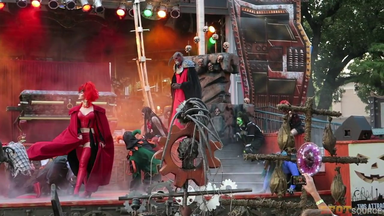 Six Flags Over Texas Jam Packed Fright Fest Opening Day Lsct Haunts Scare Zones Shows More
