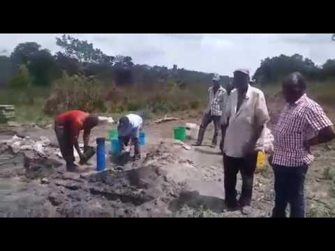 Hichi kisima Maaa shaa ALLAH kinatoa maji bila pump ni Tanzania