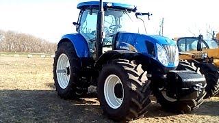 Поехали посмотрим на настоящий синий трактор!