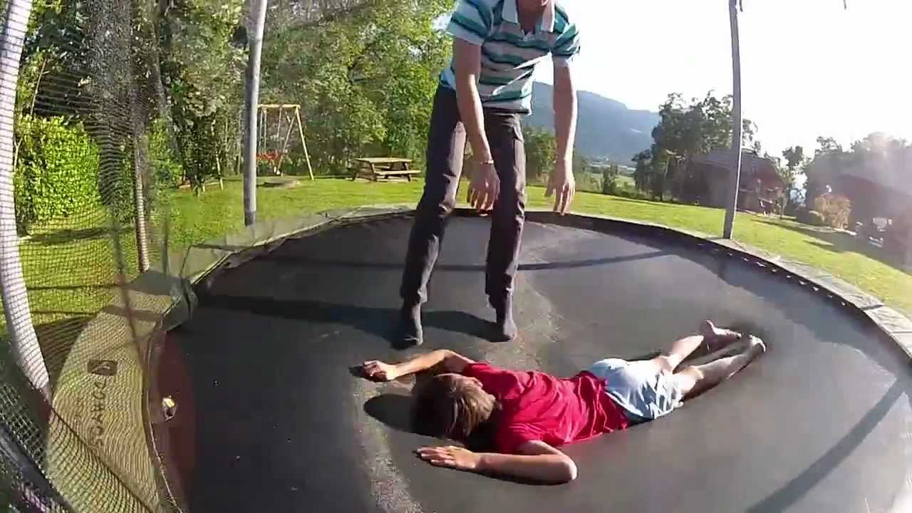 Driblage humain sur trampoline domyos mt365 youtube - Petit trampoline decathlon ...