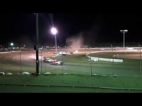Stock car shoot out Hobby stock main 9-2-18