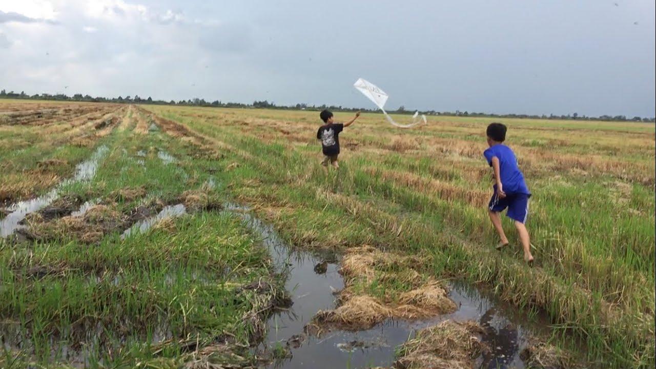 PAT – Tự Làm Diều Và Thả Diều Ngoài Đồng | Fly A Kite