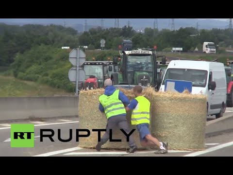 France: Farmers block German trucks on border as food prices sky-rocket