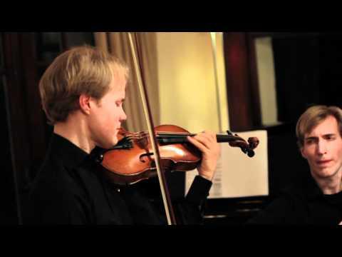 Koncz Duo plays Csárdás by V. Monti