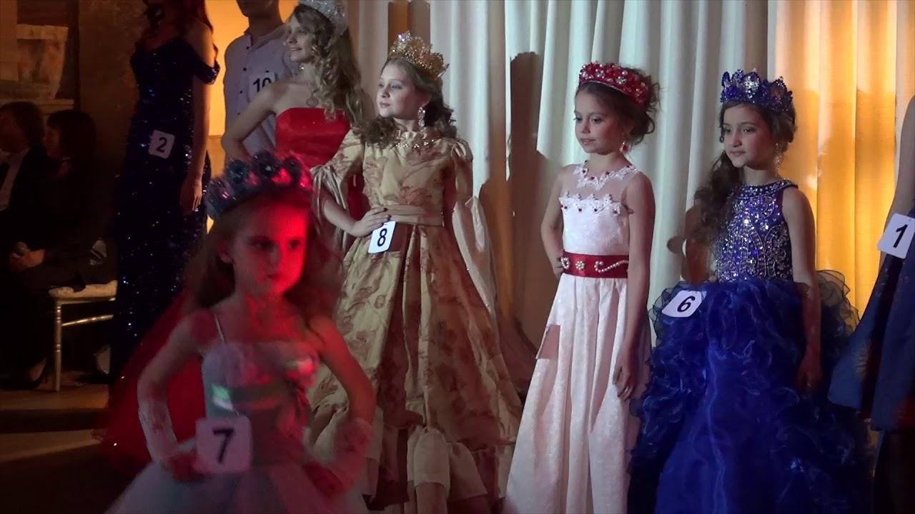 Дизайнер из Карачаевска представит модельные платья в Германии .