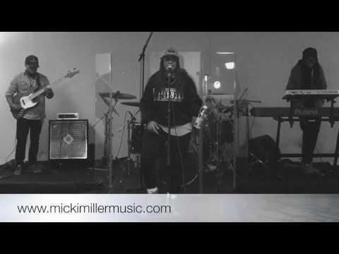 Micki Miller Rehearsing
