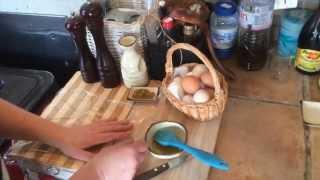 Очень простой рецепт приготовления яйца-пашот или вареного яйца без скорлупы.(Если вы никак не решитесь приготовить яйцо-пашот или пробовали, но у вас не получилось, то берите наш рецепт..., 2015-02-02T18:13:55.000Z)