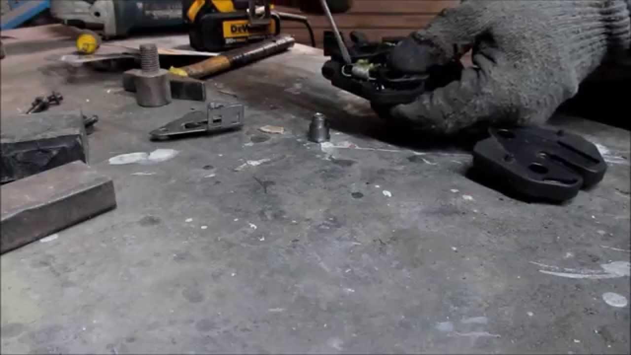 Volvo S60. How to repair hood latch. Как отремонтировать замок капота.