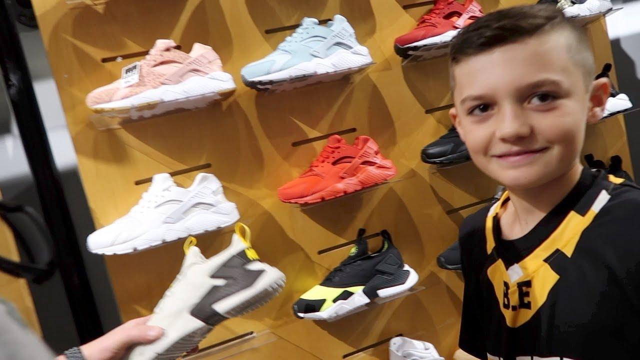 8fa35c16fb90 Basketball Shoe Shopping 2018 - YouTube