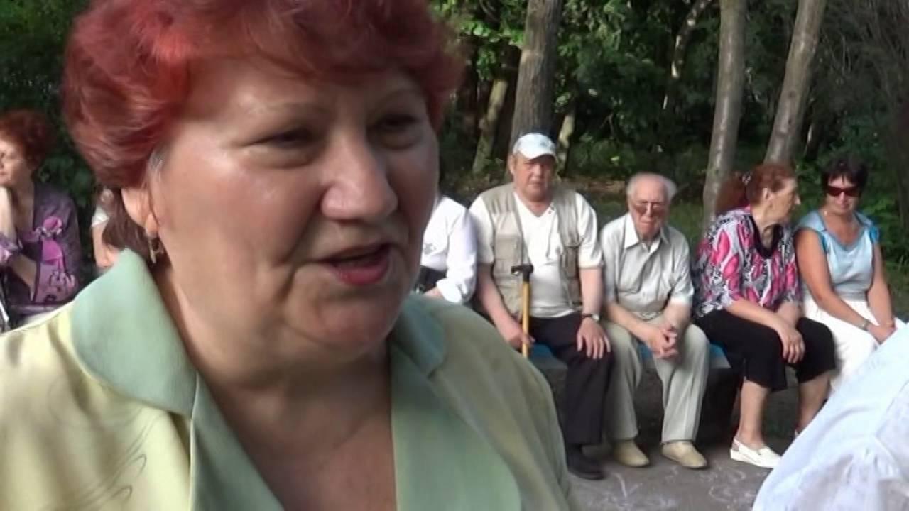 Цыганочка и песни под гармонь в исполнении сестер Папиных город Липецк.Съемка Ланских.