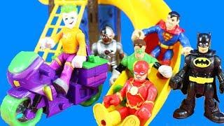 Superhero Vacation Day At Playground Park   Flash Teaches Joker To Share   Batman Goes On Zip Line