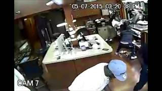 Trio of Jewel Heists Nets Over $500,000 (Video)