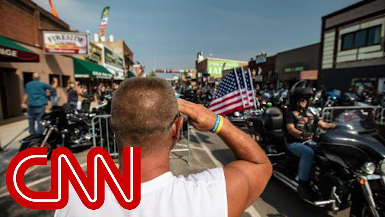 cnn-anchor-bill-weir-talks-politics-with-sturgis-bikers