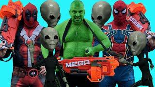 Superheroes VS Aliens